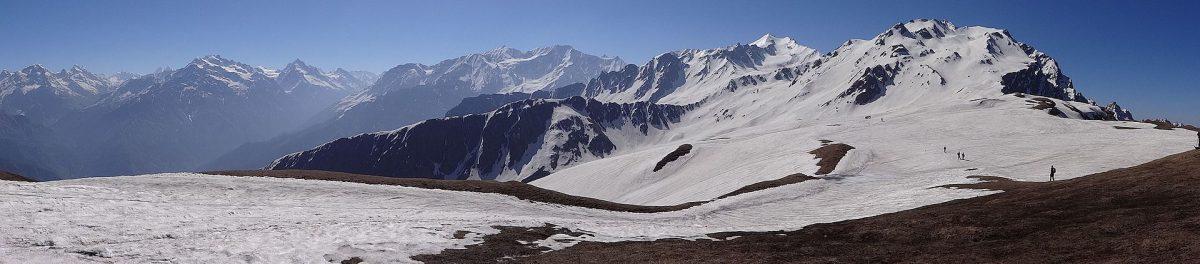 Sar Pass Treck